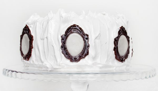 Snow White Inspired Mirror Mirror Cake