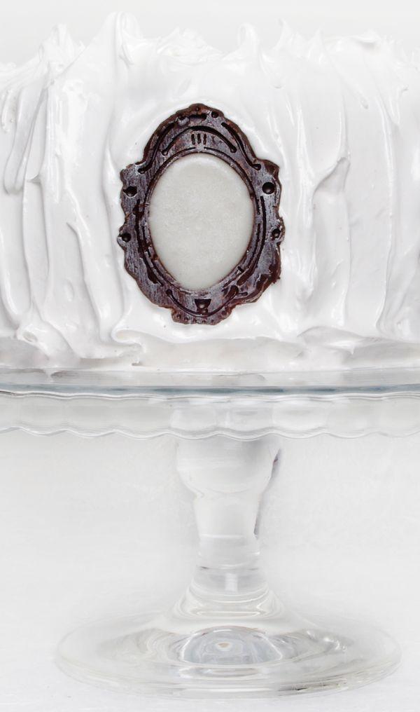 Snow White Inspired Mirror Mirror Cake