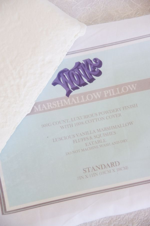 Willy Wonka Series; Eatable Marshmallow Pillows Charlie and the Chocolate Factory