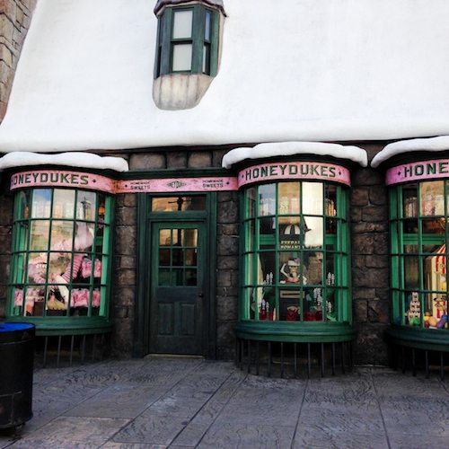 Window Shopping at The Wizarding World of Harry Potter via BrytonTaylor.com