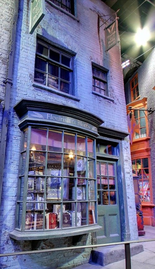Diagon Alley Flourish and Blotts