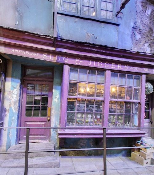 Diagon Alley Slug and Jiggers Apothecary