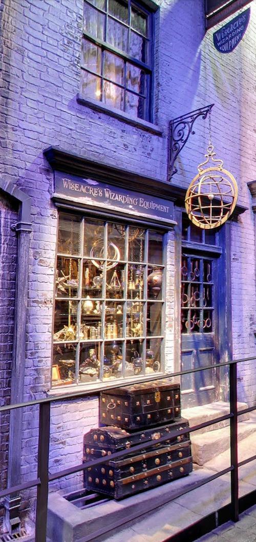 Diagon alley Wiseacres Wizarding Equipment