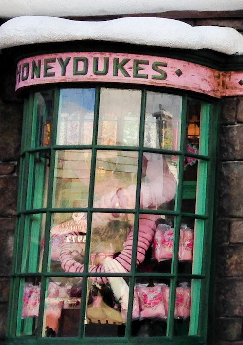 Fairy Floss at Honeydukes at Wizarding World of Harry Potter via BrytonTaylor.com