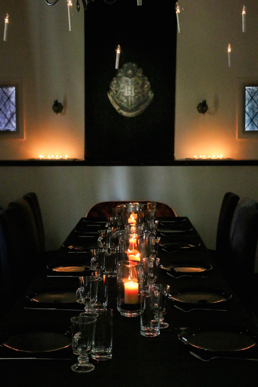 harry potter hogwarts dinner party table-1